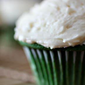 Green Velvet Cupcakes by Nutmeg Nanny