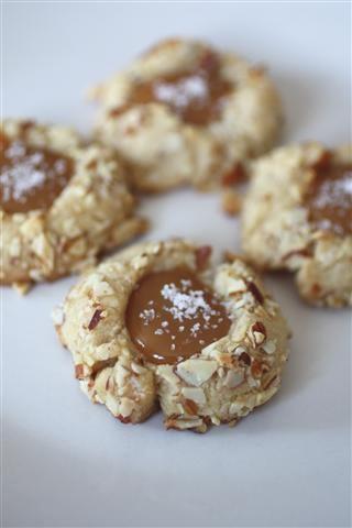 Salted Caramel Thumbprint Cookies | Nutmeg Nanny