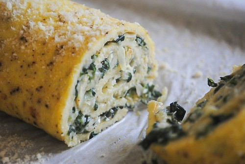 This spinach artichoke egg roulade is the perfect way to start your day. Packed full of frozen chopped baby spinach, artichoke hearts and goat cheese.