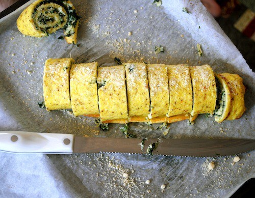 This spinach artichoke egg roulade is the perfect way to start your day. Packed full of frozen chopped spinach, artichoke hearts and tangy goat cheese.