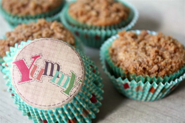 These graham flour apple coffee cake muffins are packed full of goodness. Perfectly sweet, packed full of apples and topped with a cinnamon spiced crumb topping.