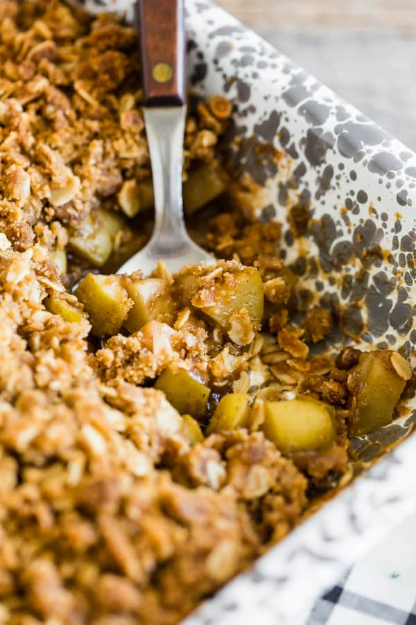 This brown butter vanilla bean apple crisp is the perfect addition to your fall dessert menu. Made with delicious fresh apples, tons of vanilla bean paste and crumbly crisp topping, you'll love this!