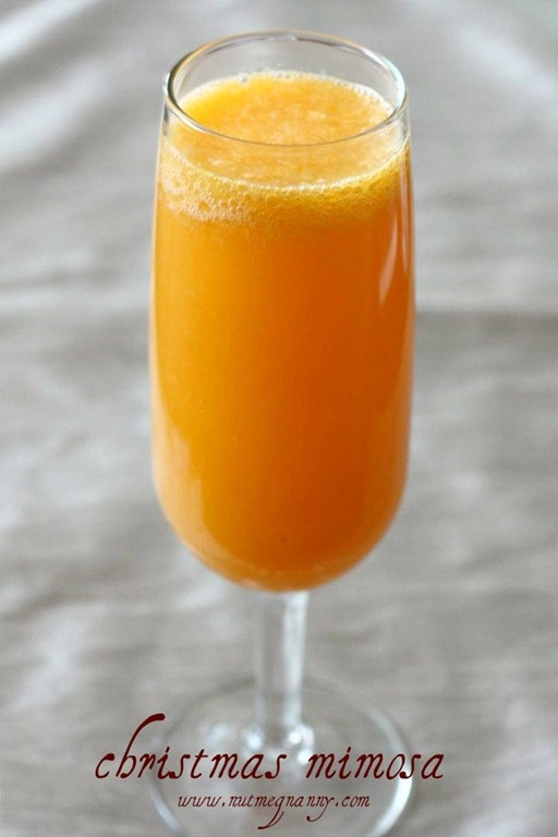 This Christmas mimosa is the perfect way to welcome in the holiday. Full of delicious fresh orange juice and bubbly champagne. Happy holidays!