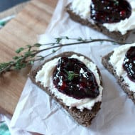 Goat Cheese and Blackberry Thyme Jam Crostini by Nutmeg Nanny