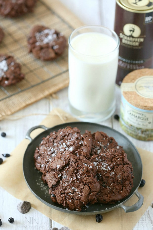 These super fudgy salted dark chocolate blueberry olive oil cookies are packed full of sea salt, dark chocolate and dried blueberries.