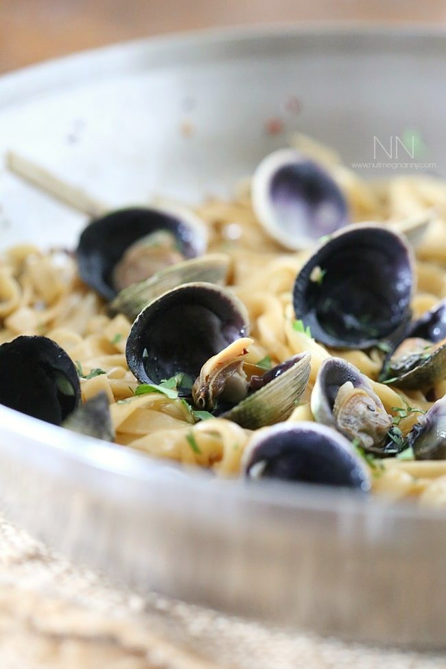 This linguine alle vongole combines fresh cockles, pasta, white wine and garlic. It's a simple pasta dish that will please the clam lovers in your life.