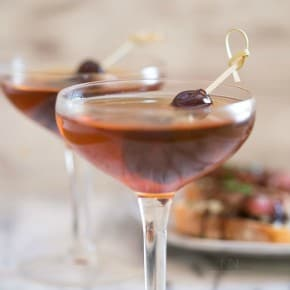 This classic Manhattan cocktail is just what Don Draper ordered! It's need only a few simple ingredients and it tastes delicious!