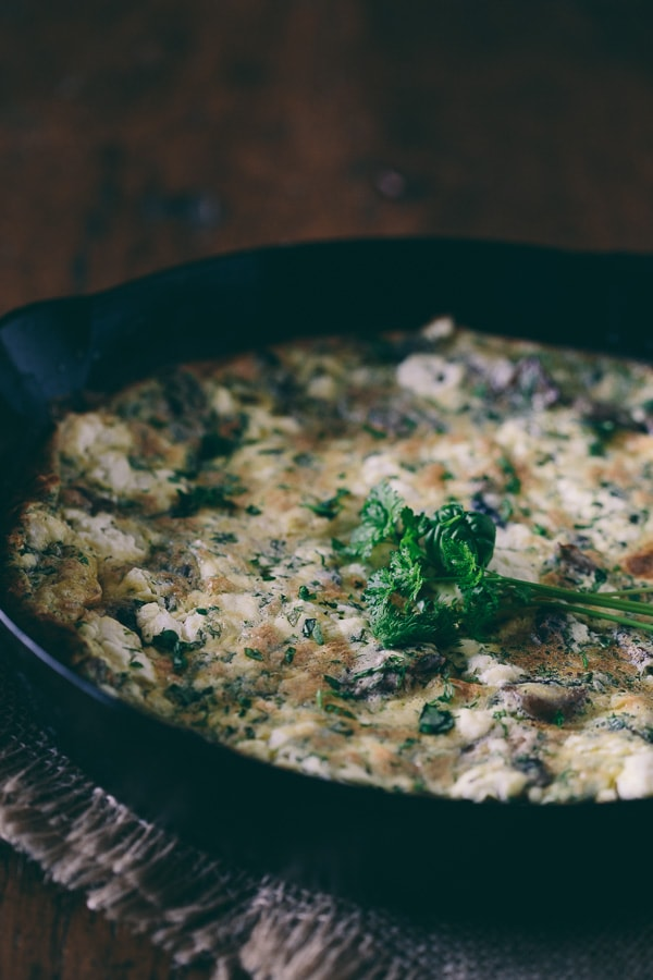 This caramelized mushroom herb goat cheese frittata is packed full of fresh grown AeroGarden herbs, Greek yogurt, tangy goat cheese and caramelized mushrooms. Hello breakfast!
