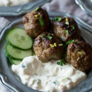 These spicy meatballs with yogurt dipping sauce are the perfect appetizer or main course. Slightly spicy and perfectly cooled down when dipped. You'll love this combo!