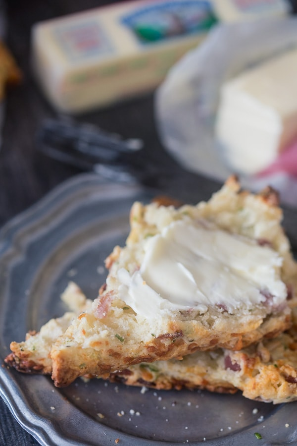 These parmesan prosciutto scones are packed full shredded parmesan, prosciutto, chives and lots of delicious butter. They are perfect for Christmas morning!