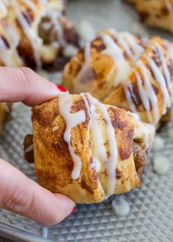 These totally simple 2 ingredient cinnamon roll wrapped sausages are just what your morning needs. Easy to make and the perfect sweet and savory bite.