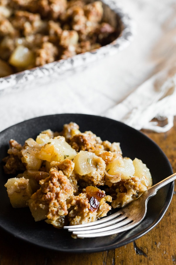 This rosemary Asian pear crisp is a fun twist to the normal fruit crisp. Packed full of sweet ripe Asian pears, golden raisins, minced rosemary and finished with a super crunchy oat topping. Perfect when served plain, sprinkled with powdered sugar or a big scoop of ice cream.