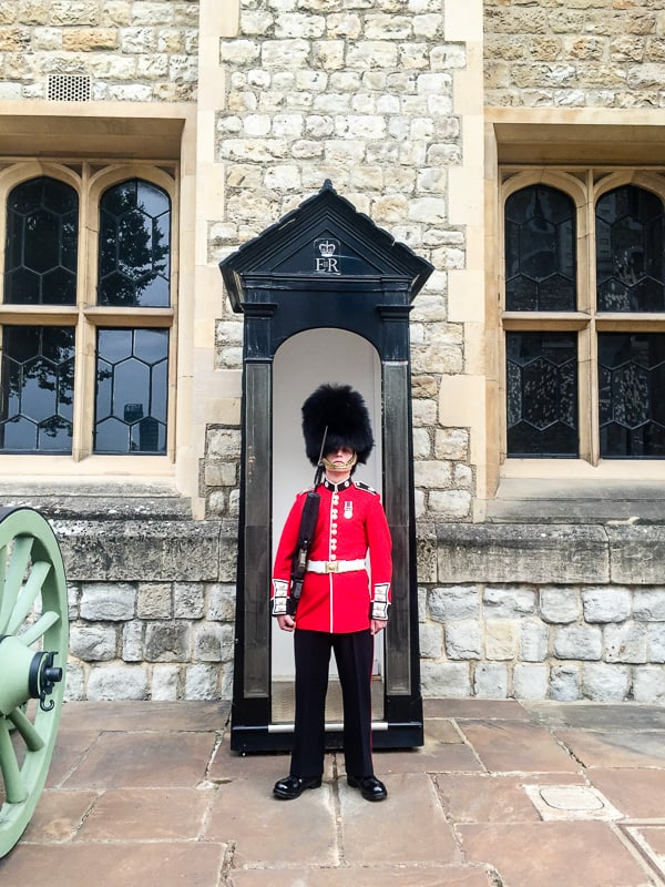 tower of london london travel guide